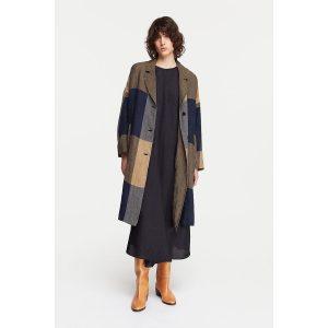 pomandere_oversized-patchwork-coat-blue_1_resort-conceptstore
