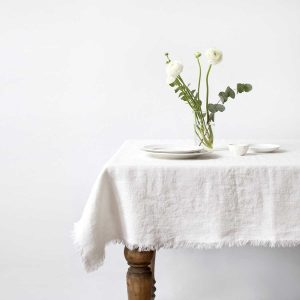 linentales_tablecloth-white-fringes_resort-conceptstore