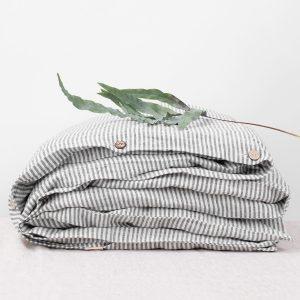 linentales_duvet-cover-black-thin-stripe_1_resort-conceptstore